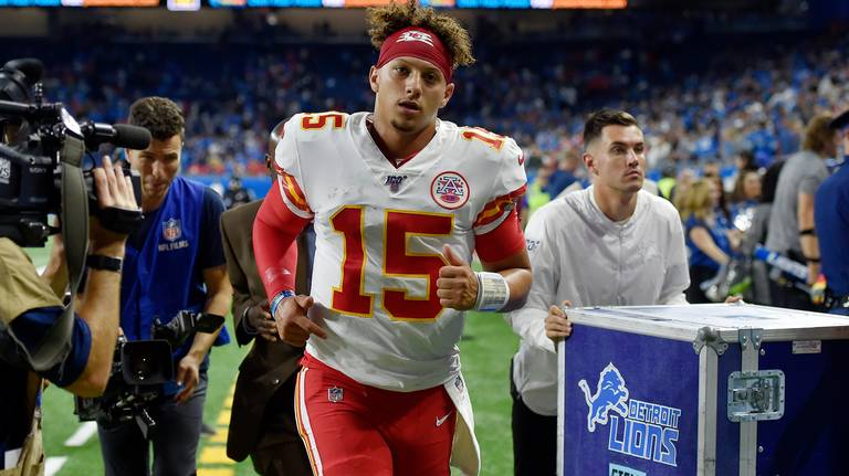 Chiefs-Colts prediction: Look for KC to remain undefeated after Sunday night showdown