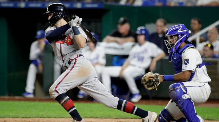 Royals bullpen battered in a 10-2 loss to the Braves