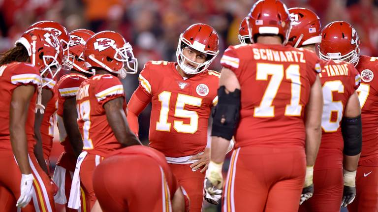 Should we be concerned about the Chiefs' offense? Teams are exploiting this weakness